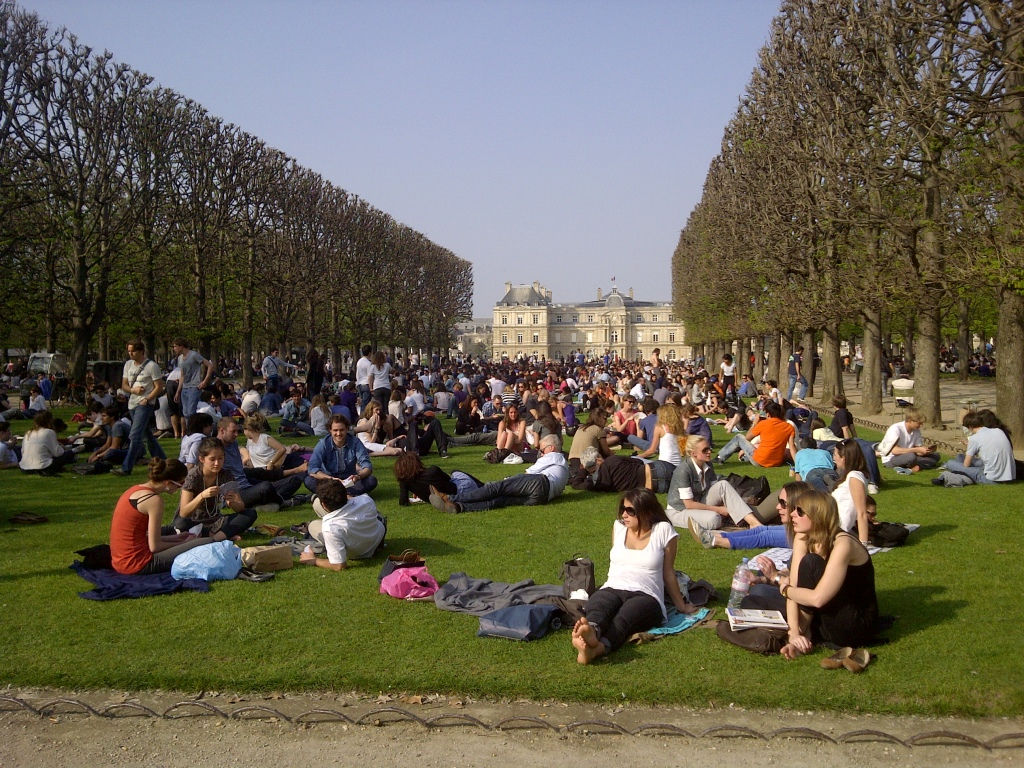 Jardin du Luxembourg - the perfect place for a picnic!
